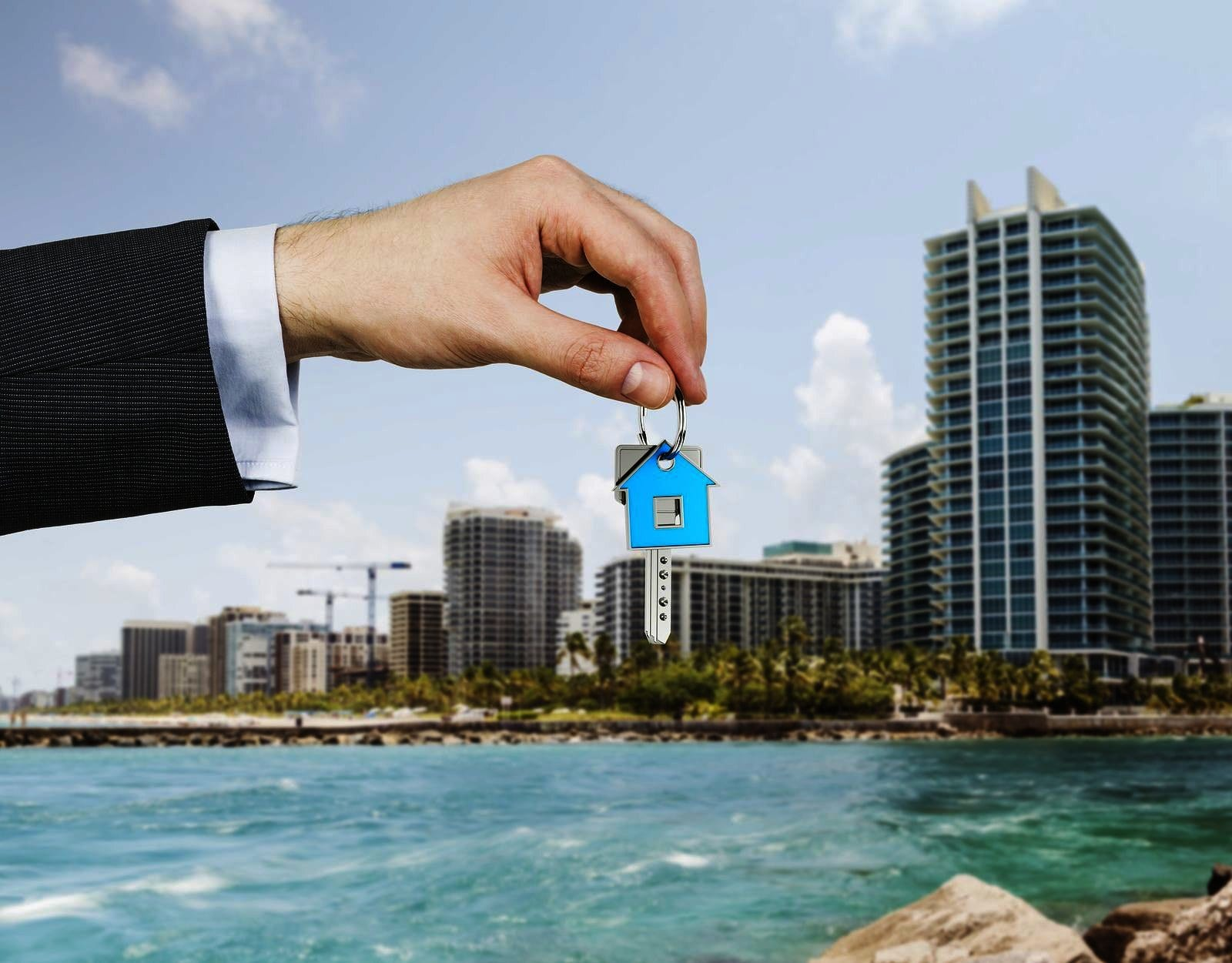 Residential real estate agent vs. commercial real estate agent ...