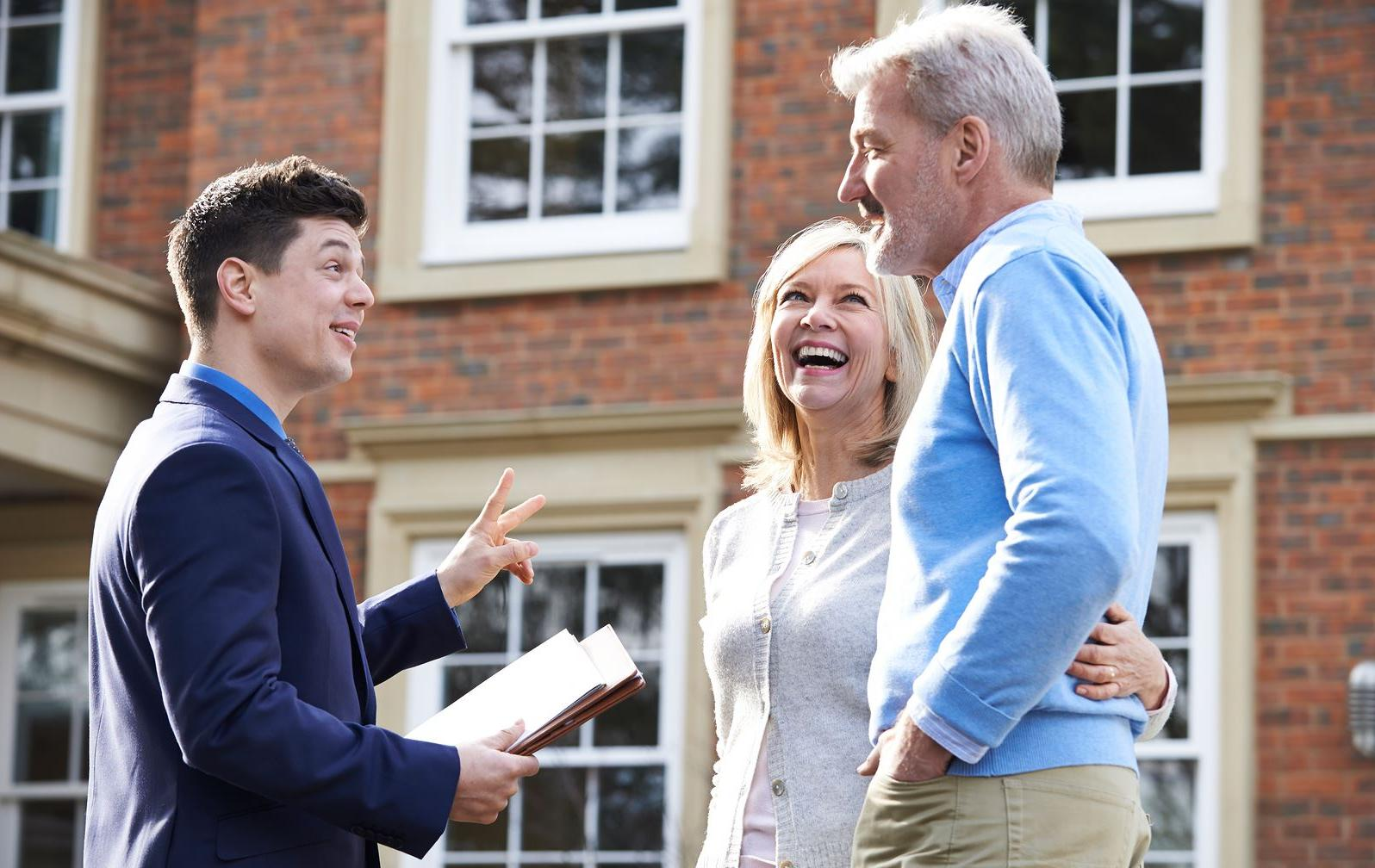 5 Tips for Buying and Selling Property at the Same Time