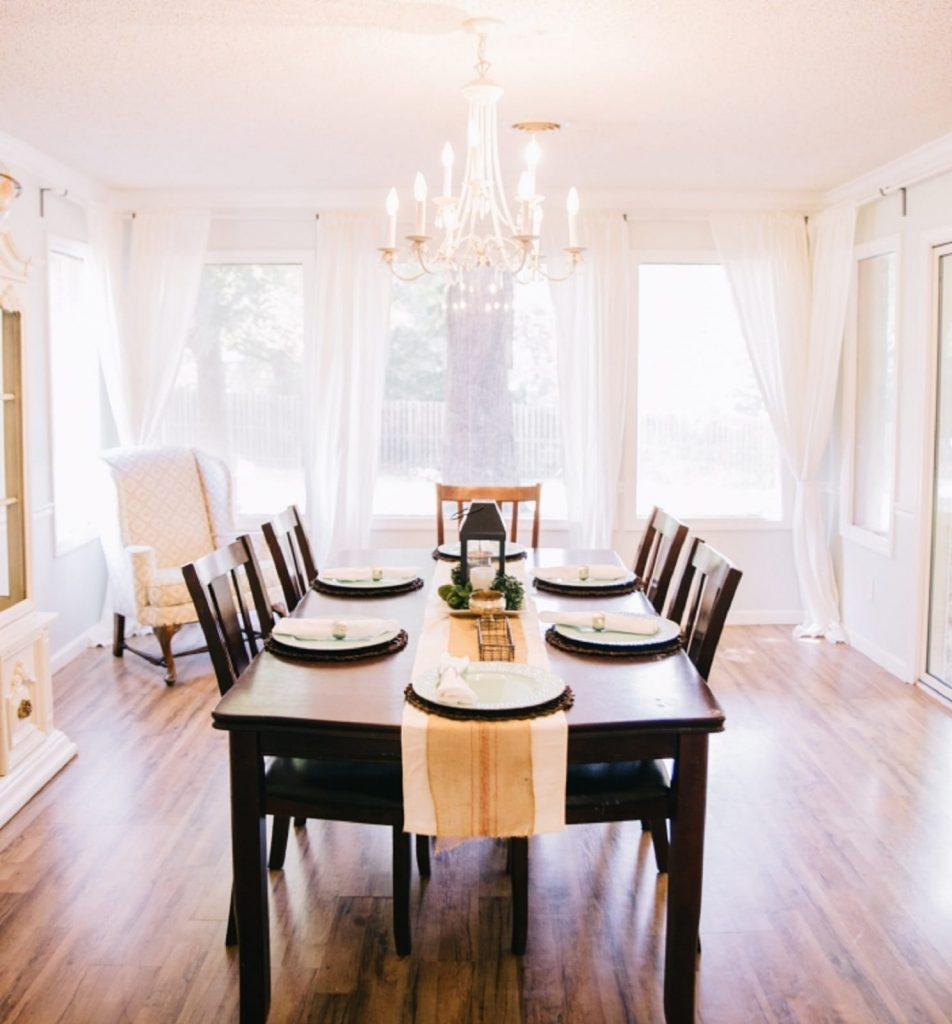 Maximize Your Airbnb Rental Income through Renovation and Decoration - Use an Appealing Color Scheme