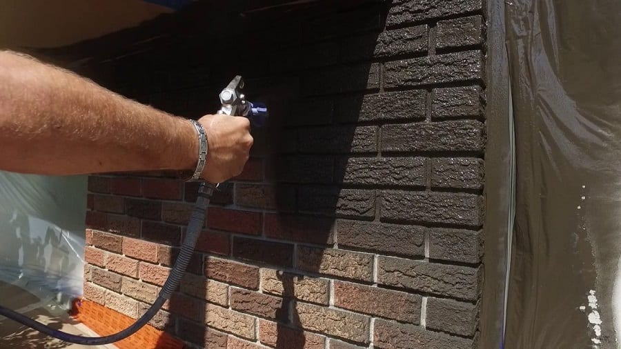 Painting Tips for Making Your Investment Property's Exterior More Appealing to Buyers - Spraying Technique