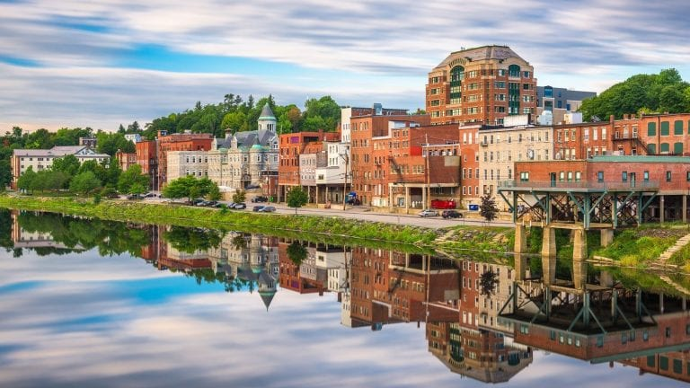 where to invest in Maine vacation rentals