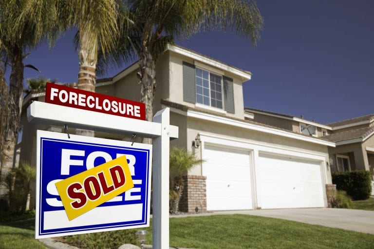 advantages of foreclosure investing