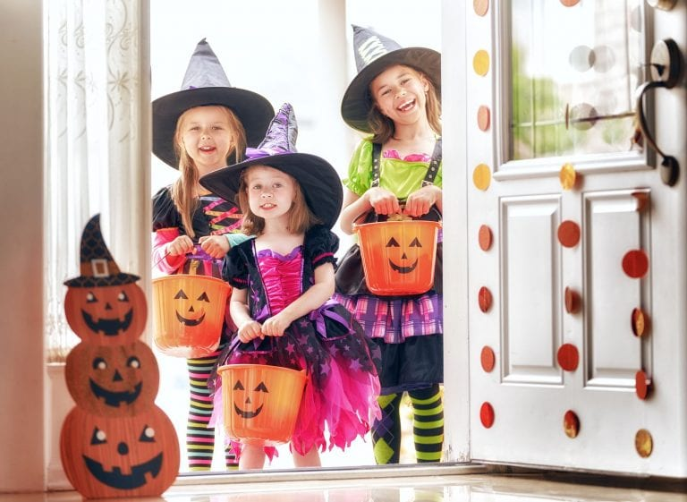 tips to sell your home during Halloween