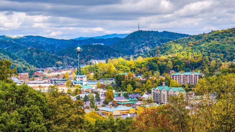 reasons to invest in Airbnb Gatlinburg