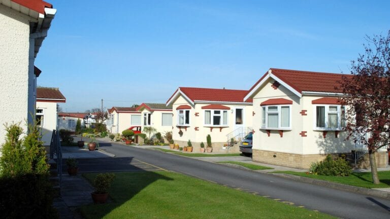 what to know before buying a mobile home