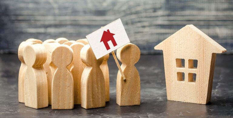 should I buy a foreclosed home? find out here