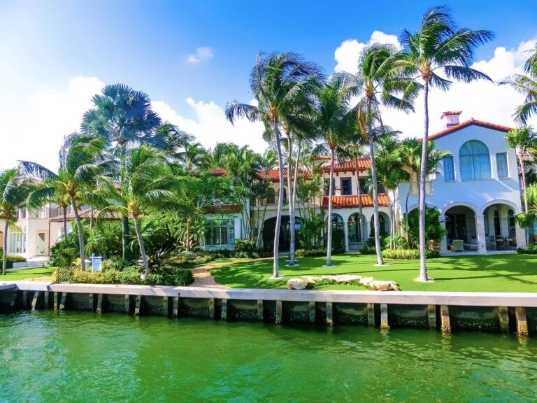 12 Best Places to Invest in Real Estate in Florida in 2021 - Venice Housing Market
