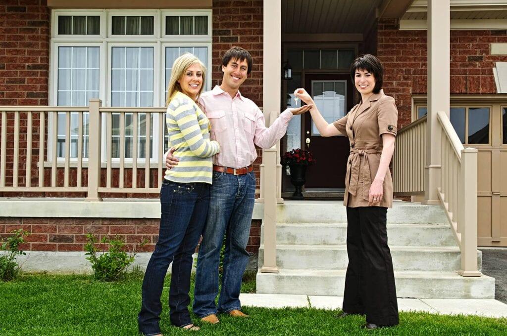 Realtor vs Real Estate Agent: What Do Agents Do?