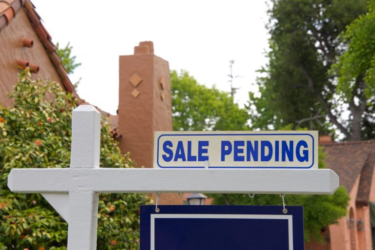 What is pending status in real estate?